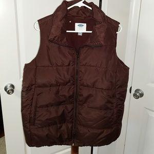 Maternity puffy vest